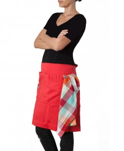 picnic red smart apron 2