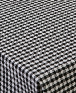 TableCloth_Classic_Open_on_table_high